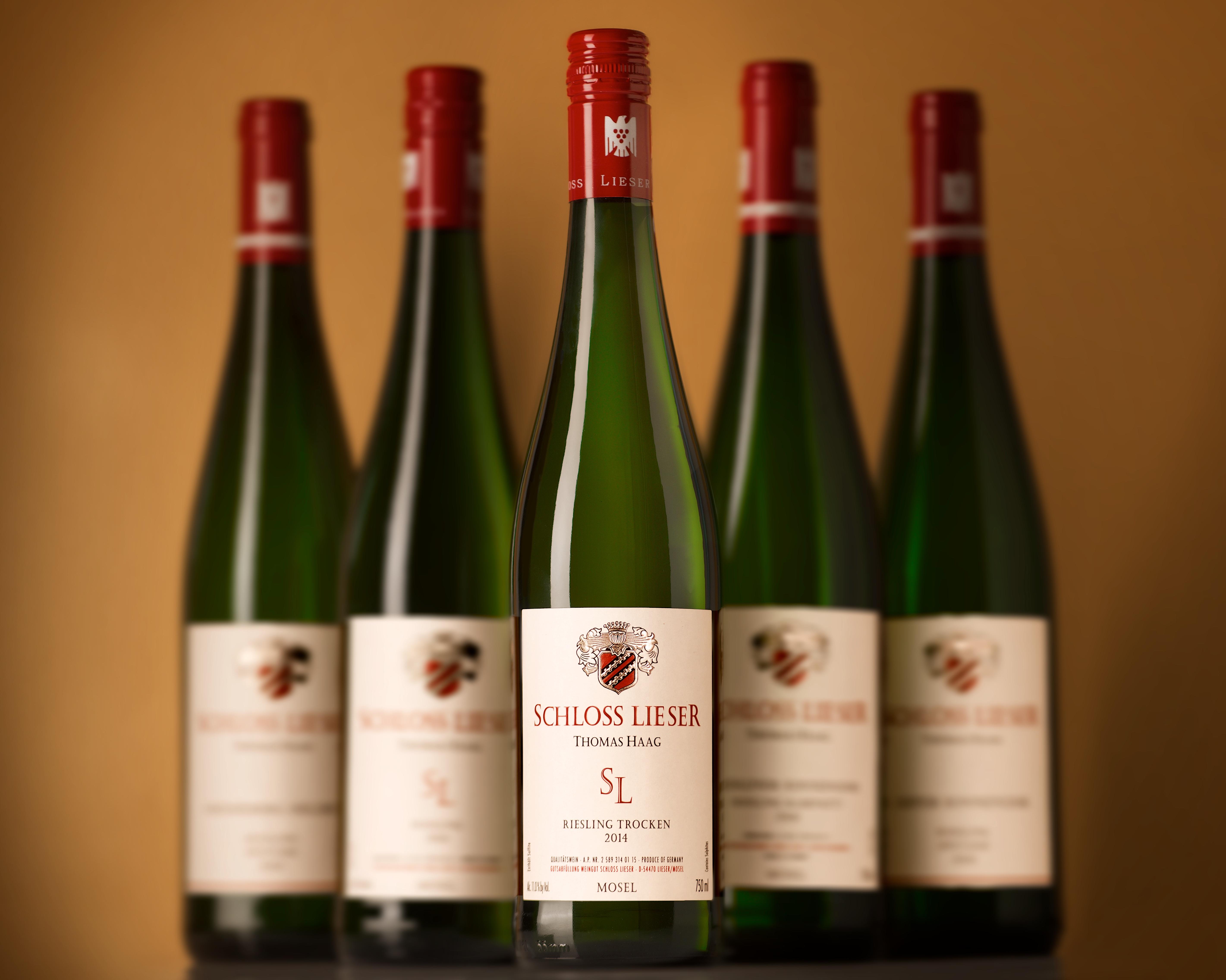 Flaschen-Foto für die Werbung von Weingut Schloss Lieser