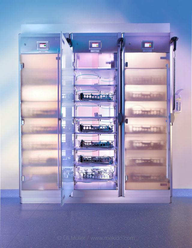 Escad Medical Storage System für Endoskope, Übersichtsaufnahme für die Werbung auf Messen und in Flyern.
